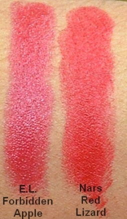Red Lip swatch pic